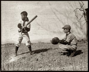 Kids-playing-baseball