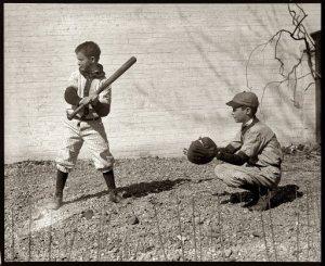 Kids-playing-baseball